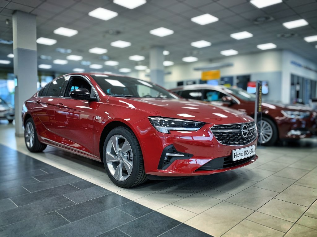 Opel Insignia NEW GS Line 2.0 TURBO 200k AT9